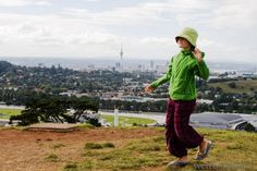 Mit Schulkind nach Neuseeland reisen? Wir erklären, wie ihr eine Schulfreistellung für die Reise beantragt und was ihr tun könnt, wenn es Probleme gibt.