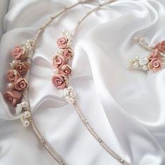 Χειροποίητα στέφανα γάμου vintage με χειροποίητα λουλουδάκια πορσελάνης δεμένα με φινέτσα και γουστο!!οικονομικά στέφανα γάμου  by valentina-christina  Καλέστε 2105157506 #greek#greekdesigners#handmadeingreece#greekproducts#γαμος #wedding #stefana#χειροποιητα_στεφανα_γαμου#weddingcrowns#handmade #weddingaccessories #madeingreece#handmadeingreece#greekdesigners#stefana#setgamou