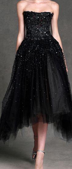 Donna Karan Resort 2013 dream dress for prom! Donna Karan, Beautiful Gowns, Beautiful Outfits, Fashion Week, Fashion Show, Runway Fashion, Review Fashion, Womens Fashion, Mode Glamour