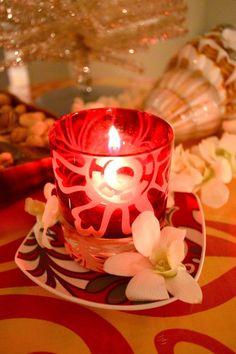 """""""Hawaiian Christmas"""" Themed Cocktail Party – Decor and More! – MISS PARTY"""