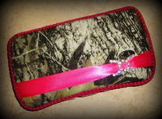 Mossy Oak Camo Boutique Diaper Wipes Case / Baby Girl / Camo / Pink / Hunting. $16.00, via Etsy.