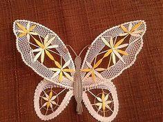 Dekorácie - žlty motyl - 3539321 Simple Art, Easy Art, Bobbin Lace Patterns, Lacemaking, Lace Heart, Lace Jewelry, Antique Lace, String Art, Lace Detail