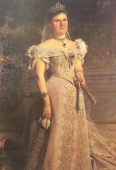 Queen Emma of the Netherlands with her sapphire parure