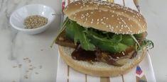 Hamburger Au Tofu, General Tso Tofu, Tofu Burger, Menu, Vegan, Ethnic Recipes, Food, Menu Board Design, Essen