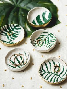 DIY ring dish trinket bowl with tropical leaves - Do It Yourself Home Decor & Gift Ideas - liagriffith.com