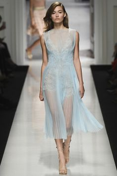 View the complete Ermanno Scervino Spring 2017 collection from Milan Fashion Week.