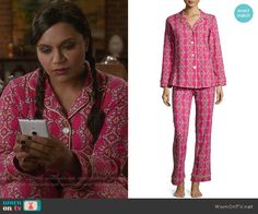 Mindy's pink printed pajamas on The Mindy Project.  Outfit Details: http://wornontv.net/54091/ #TheMindyProject