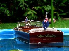 BUILDING A SCALE MODEL BOAT ( 1947 Chris Craft Utility R/C-boat)