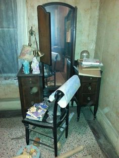 Large vanity and chair. Dressing table with trifold mirror and 6 drawers. Very beautiful piece.