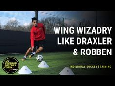 Individual Soccer Training - 4 explosive turns to play like Ronaldo Soccer Dribbling Drills, Soccer Drills For Kids, Running Drills, Soccer Skills, Soccer Boys, Play Soccer, Best Football Skills, Football Tactics, Best Football Players
