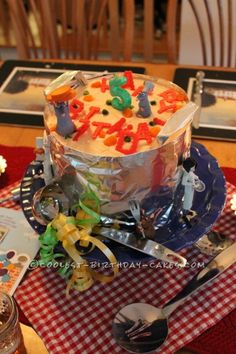 Coolest Ratatouille Cake... This website is the Pinterest of birthday cake ideas