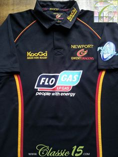 Relive Newport Gwent Dragons' 2005/2006 season with this vintage Kooga home rugby shirt.
