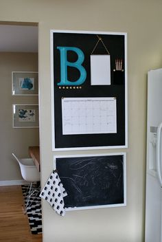 DIY+Chalkboard+Kitchen+Calendar+/+Command+Center