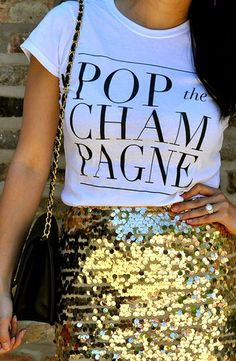This cute champagne top is perfect for New Years Eve outfit ideas! Source by Related posts: 14 New Years Eve Outfit Ideas To Copy This Year 14 New Years Eve Outfit Ideas To Copy Devamı… Silvester Make Up, Silvester Outfit, New Years Outfit, New Years Eve Outfits, Pastel Outfit, Look Fashion, Fashion Beauty, Fashion 2018, Street Fashion
