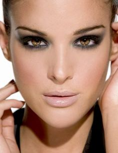Classic look: nude lips and smokey eyes.