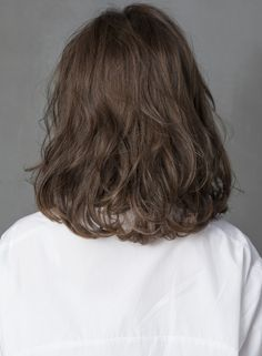 New Haircut Curly Hair Medium Wavy Lob Ideas- stuff. New Hair Haircuts Straight Hair, Short Choppy Hair, Short Hairstyles For Thick Hair, Permed Hairstyles, Short Curly Hair, Short Hair Cuts, Wavy Lob, Haircut Short, Medium Hair Cuts