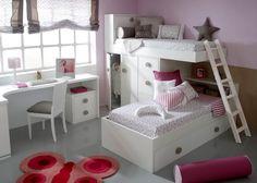 Camas blancas cruzadas con modulo de cajones y puerta debajo de la cama alta ,cama nido abajo y mesa de estudio. Este producto puedes comprarlo en xikara.net