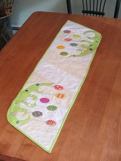 Easter table runner from Disa's Designs with appliques and buttons
