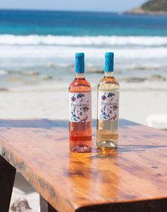What a couple! #vino #wine #cupatge #cupaje #blend #whitewine #vinoblanco #viblanc #vinorosado #rosé #posidonia #sumarroca #elegance #penedes #penedès #buscastells