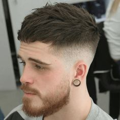 As one of the latest hair trends for men, the skin fade comes in a variety of cuts, such as a high, mid and low bald fade haircut. The low fade haircut can best be described as a lasting style that only gets better with time. [Read the Rest] → Cool Mens Haircuts, Trendy Haircuts, Best Short Haircuts, New Haircuts, Hairstyles Haircuts, Haircut Men, Men Haircut 2018, Side Haircut, Hair And Beard Styles