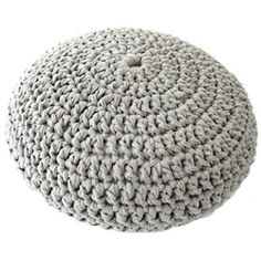 An easy crochet pouf pattern, made with t-shirt yarn
