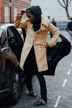 4 Unexpected Street Style Trends From Fashion Month - Gucci Loafer - Ideas of Gucci Loafer - 4 Unexpected Street Style Trends From Fashion Month Street Style Trends, Autumn Street Style, Cool Street Fashion, Look Fashion, Mens Fashion, Fashion Design, Fashion 2016, Big Sean, Asap Rocky Fashion