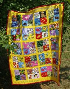 I'm so glad that we have over 40 swappers on the I spy charm fabric swap that I announced recently. I have been on the lookout for nice ide. Quilt Baby, I Spy Quilt, Baby Girl Quilts, Quilting Blogs, Quilting Projects, Quilting Ideas, Sewing Projects, Sewing Ideas, Charm Quilt