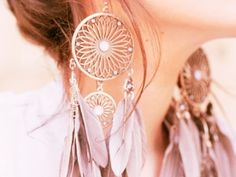 7 Amazing White Gold Earrings You'll Want To Wear Every Day …    White Gold Earrings are a chic choice of everyday jewelry, but they're also great for special occasions. If you're not a fan of traditional…