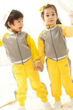 Teamlala 着心地もデザイン高い男の子・女の子兼用ジャージ風制服セット すぐ目を惹く黄色い 欧米系