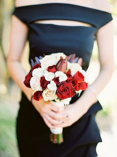 Romantic Red, Black & Gold Wedding with Bold Florals| Photographer: Elyse Hall Photography