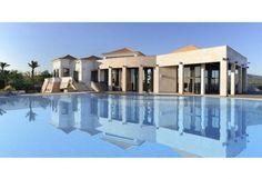 Exclusive Algarve home. Featured by The Resident. http://pt.meravista.com/en/property-faro-algarve-portugal/house-estoi-37078