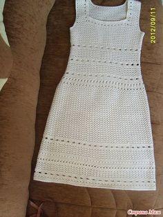 Вот такое платье я связала себе этой осенью, остались ниточки из которых довязала жакетик. , , , , , а это то платье по которому я вязала жакетик придумала сама.