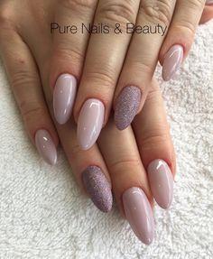 30 ideas which nail polish to choose - My Nails Shellac Nail Colors, Gelish Nails, Nail Manicure, Almond Acrylic Nails, Best Acrylic Nails, Gorgeous Nails, Pretty Nails, Fingernails Painted, Asian Nails