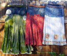 Refashion Co-op: Ooh those denim skirts! - Refashion Co-op: Ooh those denim skirts! Refashion Co-op: Ooh those denim skirts! Artisanats Denim, Denim Skirts, Jean Skirts, Diy Clothing, Sewing Clothes, Vetements Clothing, Denim Ideas, Denim Crafts, Altered Couture