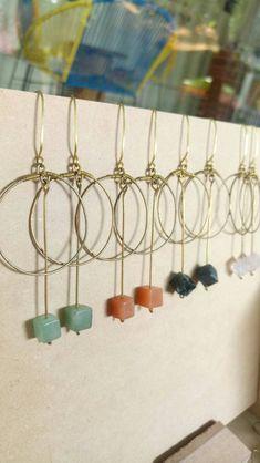 Green agate circle earrings / statement earrings / art deco earrings / minimalist jewelry / wire earrings / long bar earrings/ hoop earrings by AndreyaMx on Etsy Bar Earrings, Circle Earrings, Dangly Earrings, Rhinestone Earrings, Statement Earrings, Diy Earrings Wire, Minimalist Earrings, Minimalist Jewelry, Crystal Jewelry