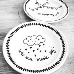Gebaksbordjes diy ❥ ★ Pinned by the site of creative recreation supplies . Pottery Painting, Ceramic Painting, Diy Painting, Do It Yourself Baby, Diy Tableware, Diy Mugs, Painted Mugs, Creation Deco, Ideias Diy