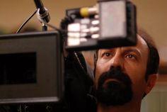 Filmografia di ASGHAR FARHADI ----  Dancing in the Dust (2003) The Beautiful City (2004) Chaharshanbe Suri (2006) About Elly (Darbārehye Elly) (2009) Una separazione (Jodái-e Náder az Simin) (2011) Le passé (2013)