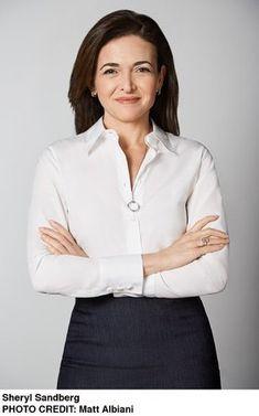 Sheryl Sandberg - Women of Zeal: 11 Most Respected Women Billionaires in the World Business Portrait, Corporate Portrait, Business Headshots, Professional Headshots Women, Professional Outfits, Profile Photography, Posing Guide, Pretty Shirts, Successful Women