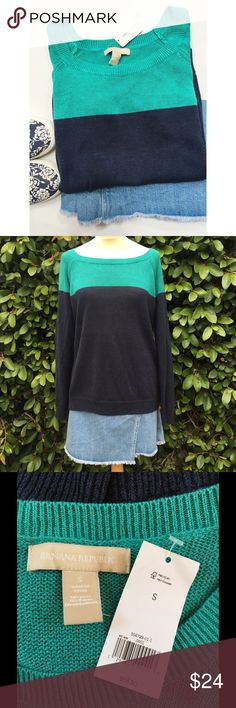 Banana Republic Green & Navy Colorblocked Sweater Brand new! Linen/rayon blend. Comfortable for summer. Comes from a smoke- and pet-free house. Bundle for additional savings!   CLOSET CLOSING 6/30 to 7/20. If you like it, get it now! Banana Republic Sweaters Crew & Scoop Necks