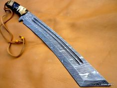 CUSTOM DAMASCUS STEEL HUNTING KNIFE / BUSH CRAFT TANTO / SWORD / RAM HORN HANDL