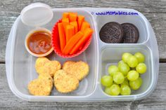 These healthy chicken nuggets for kids are a favorite and they are a hit inside the lunch box! homemade chicken nuggets tried it with ground turkey and it was a hit Healthy Chicken Nuggets, Homemade Chicken Nuggets, Chicken Nugget Recipes, Healthy Pastas, Healthy Foods To Eat, Healthy Snacks, Healthy Eating, Healthy Kids, Smoothie Bowl