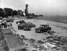 Sandymount beach 1960s Dublin Street, Dublin City, Old Pictures, Old Photos, Vintage Photos, Ireland Homes, Irish Eyes, Dublin Ireland, Great Photos