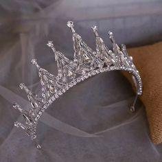 Headpiece Jewelry, Hair Jewelry, Wedding Jewelry, Bridal Crown, Bridal Tiara, Glamouröse Outfits, Quinceanera Tiaras, Crown Aesthetic, Bride Headband