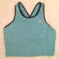 Adidas Climalite Workout Tank Adidas Climalite sports/workout tank. Built in bra. Tiny bit of stitching coming loose at bottom hem, otherwise in good preloved condition. Size medium. ❌ NO TRADES ❌ NO PP❌ NO LOWBALLING ❌ Adidas Tops Tank Tops