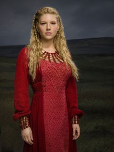 history channel vikings lagertha red dress - Google-søgning