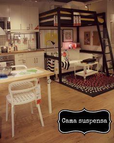 Cama suspensa na Casa Pequena