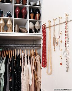 Small apartment closet organization simple 65 New ideas Small Apartment Closet, Apartment Closet Organization, Small Closets, Tiny Closet, Organized Closets, Front Closet, White Closet, Small Bedrooms, Wardrobe Storage
