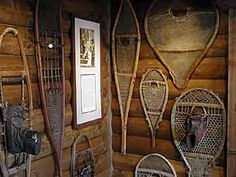 I love snow shoes.  This is such a cute way to display them