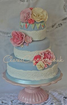 Vintage Cake by clarescupcakes.co.uk, via Flickr
