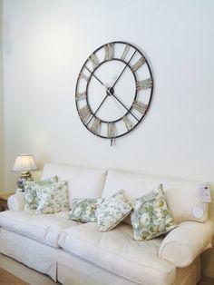 Skeleton clock